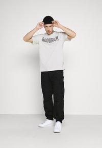 Hoodrich - CORE - Print T-shirt - off white - 1