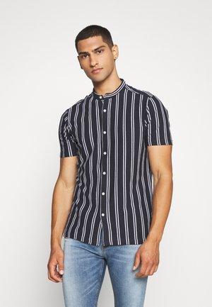 MONK - Košile - black
