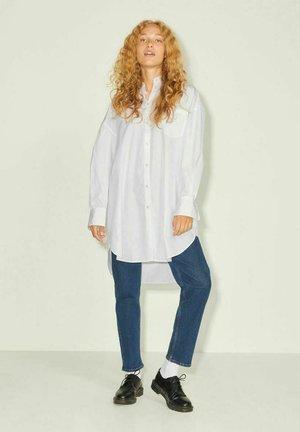 JXLACY OVERSIZED POPLIN - Skjorta - white
