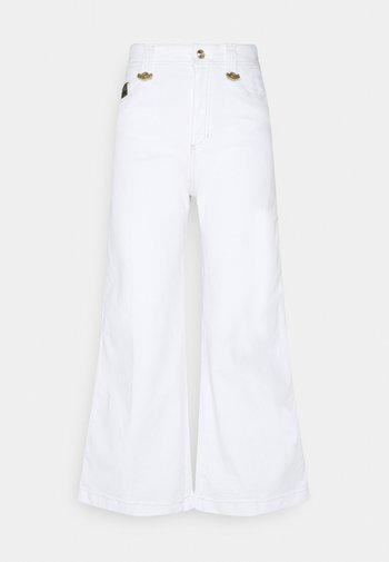 Flared Jeans - optical white