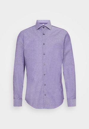 SLIM SPREAD KENT PATCH - Formal shirt - lila