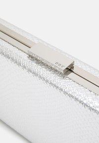 PARFOIS - BOX BAG  - Clutch - silver-coloured - 3