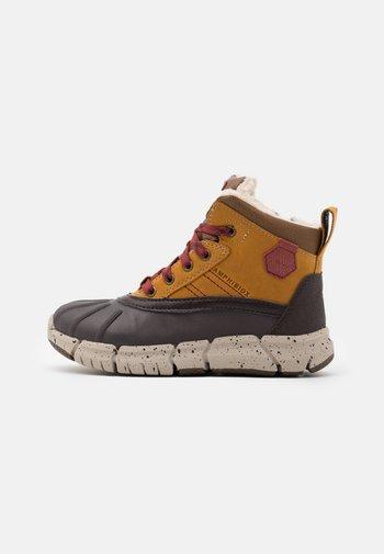 FLEXYPER BOY  - Winter boots - light brown/dark red