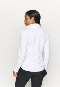 Salomon - OUTRACK - Fleecová bunda - white - 2