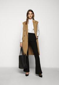WEEKEND MaxMara - BRONZO - Button-down blouse - weiss - 1