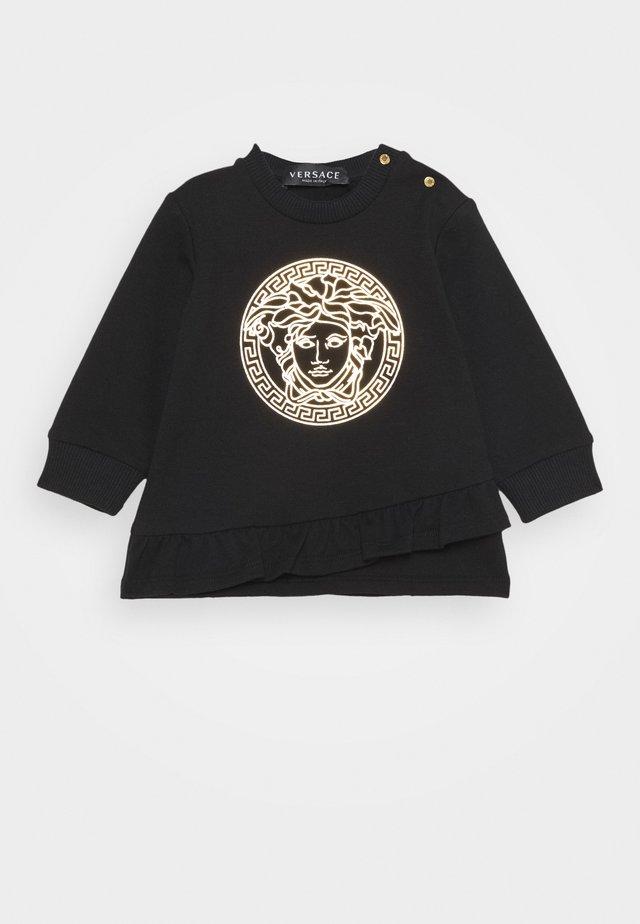 DRESS MEDUSA LAMINA PRINT WITH GREEK - Denní šaty - black/gold