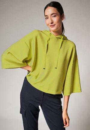 LOCKERES SWEATSHIRT AUS  - Hoodie - flash green
