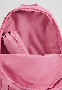 Nike Sportswear - Rucksack - magic flamingo/white - 5
