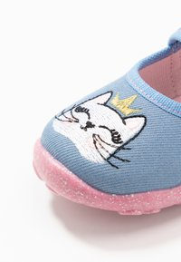 Superfit - BONNY - Domácí obuv - blau - 5