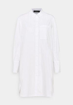 KIRA X NU - IN LONG LINE SHIRT DRESS - Shirt dress - white