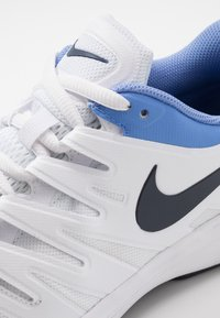 Nike Performance - AIR ZOOM PRESTIGE CPT - Carpet court tennis shoes - white/obsidian/royal pulse