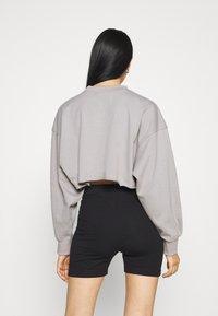 Missguided - CROPPED RAW HEM - Sweatshirt - light grey - 2