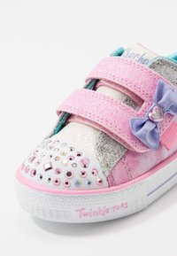 Skechers - SHUFFLE LITES - Tenisky - light pink/turquoise/silver - 5