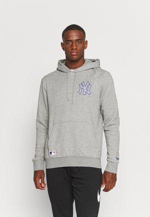 MLB NEW YORK YANKEES CHAIN STITCH HOODY - Klubové oblečení - light grey heather