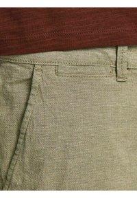 Jack & Jones - Shorts - crockery - 5