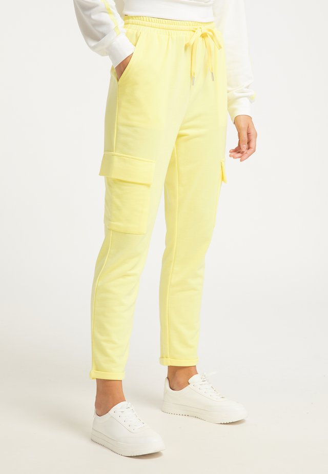 Cargo trousers - gelb