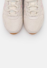 ASICS SportStyle - LYTE CLASSIC - Trainers - birch/ginger peach - 5