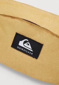 Quiksilver - PUBJUG - Bum bag - honey heather - 3