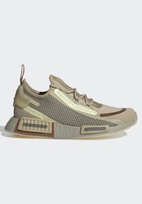 adidas Originals - NMD_R1 SPEEDLINES BOOST SHOES - Trainers - savannah/feather grey/yellow tint - 6