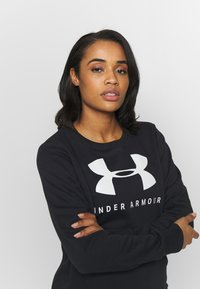 Under Armour - RIVAL FLEECE SPORTSTYLE GRAPHIC CREW - Sudadera - black/onyx white - 3