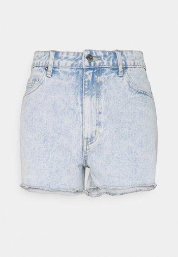 JACEY - Shorts di jeans - hellblau/weiß