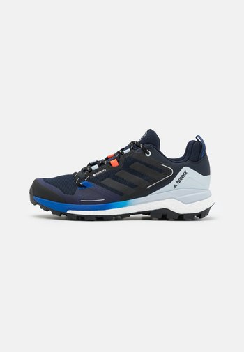 TERREX SKYCHASER 2 GORE TEX - Hiking shoes - legend ink/halo blue/solar red