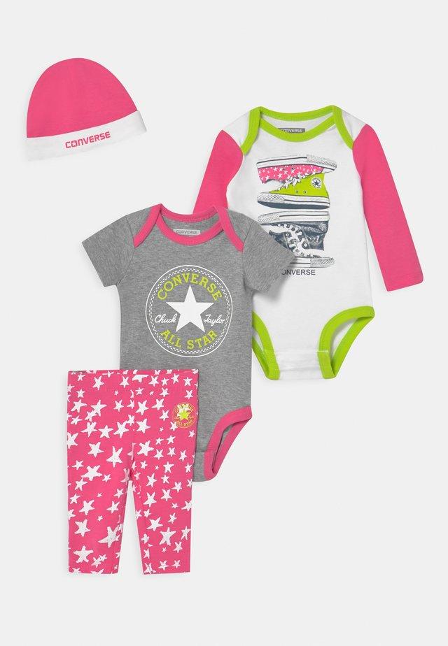 SET - Bonnet - mod pink