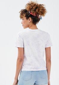 Cache Cache - CACHE CACHE KURZÄRMLIGES T-SHIRT - T-shirt print - mauve - 2
