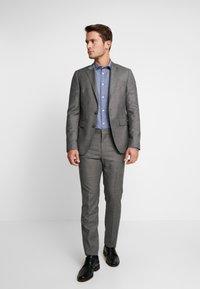 Selected Homme - SLHSLIMMARK WASHED - Formal shirt - dark blue - 1