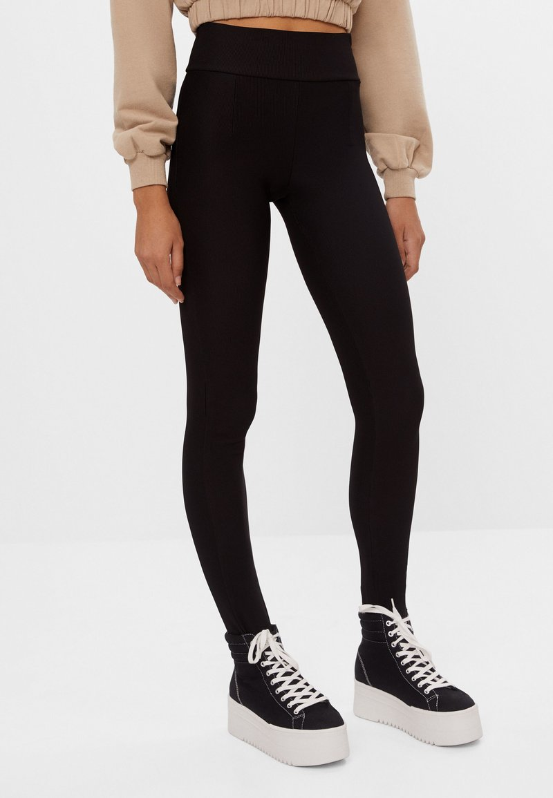 Bershka - Leggings - Trousers - black