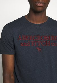 Abercrombie & Fitch - HERITAGE FALL - Print T-shirt - navy - 5