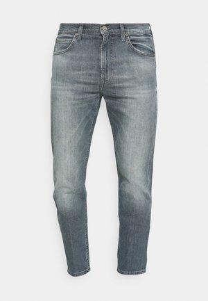 AUSTIN - Straight leg jeans - visual shark