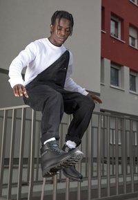 Cat Footwear - COLORADO - Šněrovací kotníkové boty - all black - 1