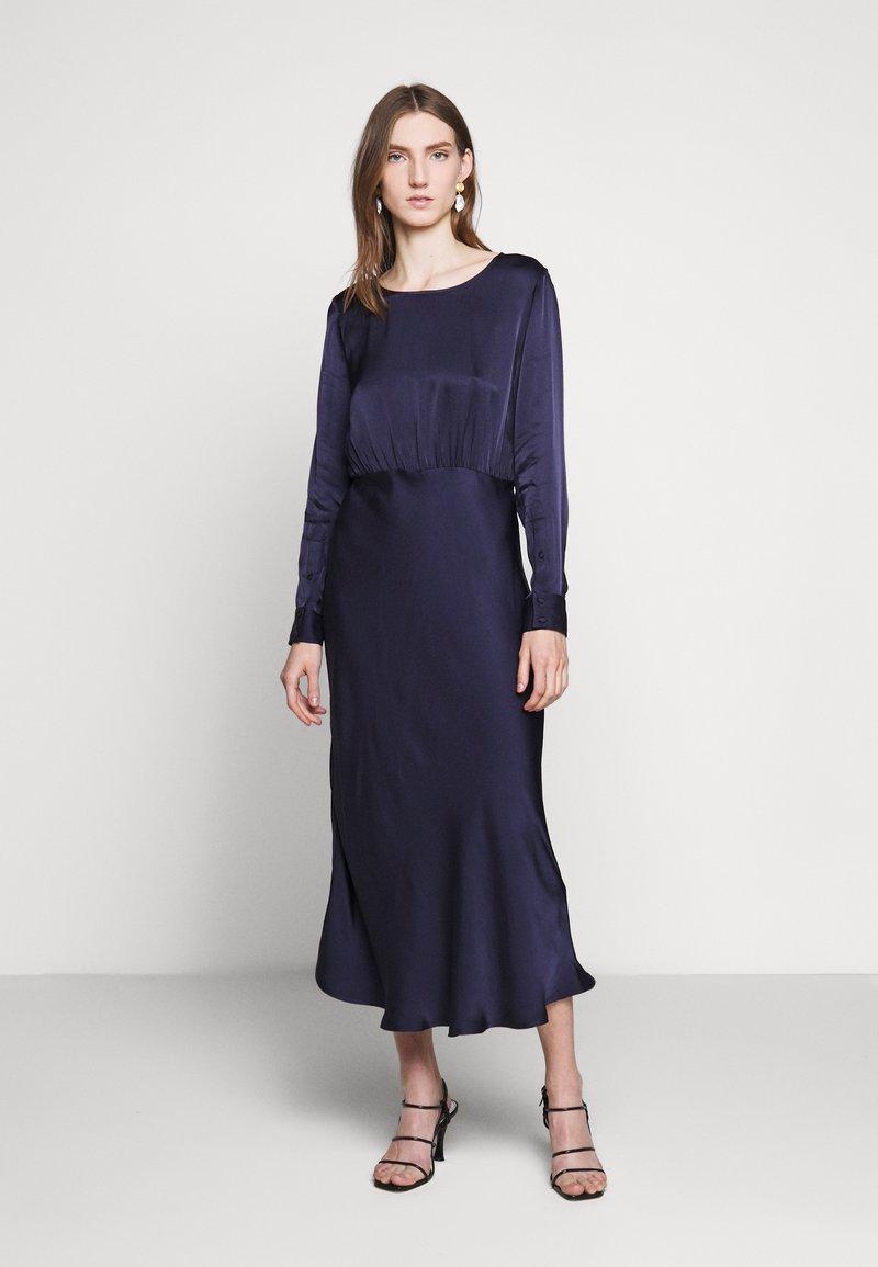 Bruuns Bazaar - SOPHIE AURORA DRESS - Juhlamekko - night sky