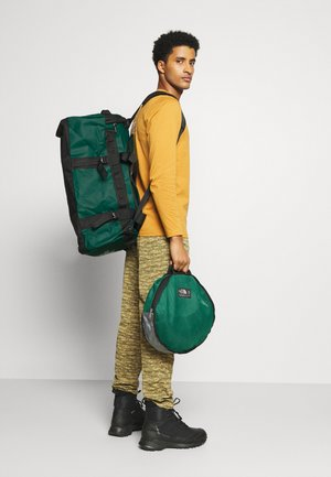BASE CAMP DUFFEL M UNISEX - Sportstasker - evergreen/black