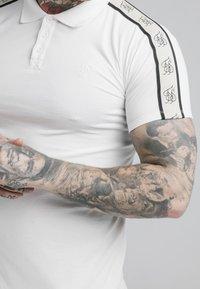 SIKSILK - PREMIUM TAPE - Polo shirt - off-white - 4