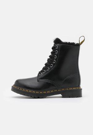 1460 SERENA - Snørestøvletter - black