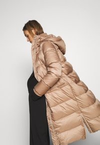 Marc O'Polo - BIG PUFFER COAT FILLED - Down coat - camel