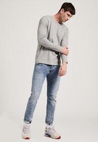 Phyne - T-shirt à manches longues - grey - 1