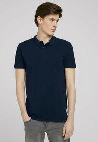 TOM TAILOR DENIM - Polo shirt - sky captain blue - 0