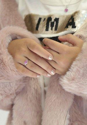 Ring - light pink, pink