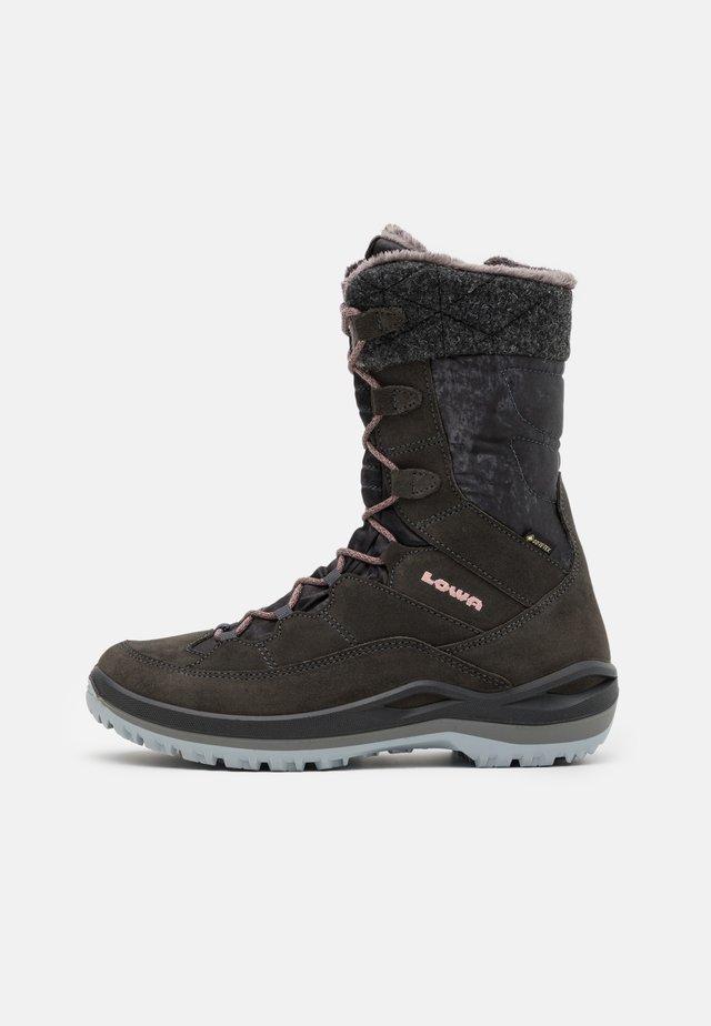 BARINA III GTX  - Winter boots - anthrazit/rose
