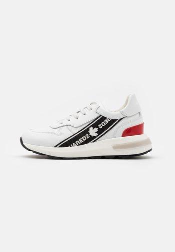 UNISEX - Tenisky - white/red