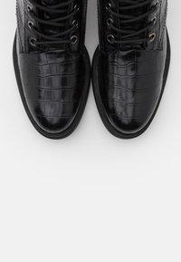 s.Oliver BLACK LABEL - Šněrovací kotníkové boty - black - 5
