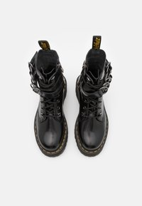 Dr. Martens - JADON HDW-8 EYE BOOT UNISEX - Lace-up ankle boots - black buttero - 3