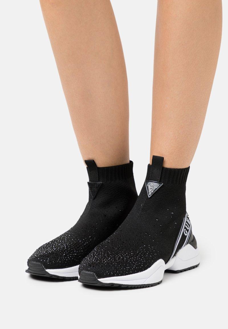 Guess - BAMMIE - Sneakers hoog - black