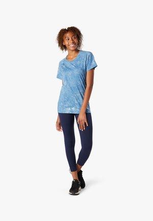 SHORT SLEEVE - Print T-shirt - cloudy blue marble wash
