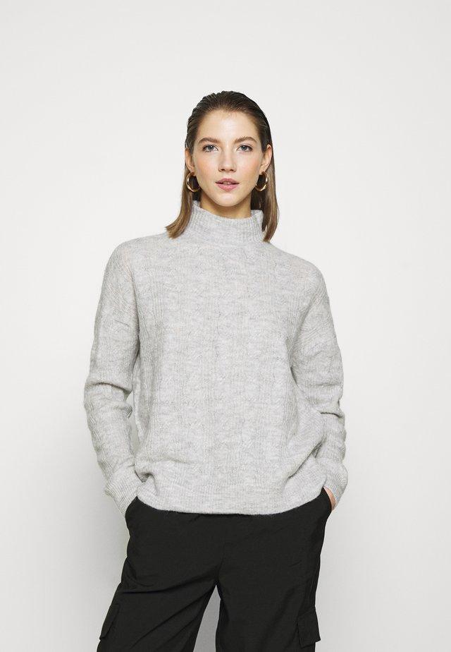 PCBECKY HIGH NECK CABLE  - Sweter - light grey melange