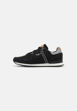 TINKER ROAD - Sneakersy niskie - black