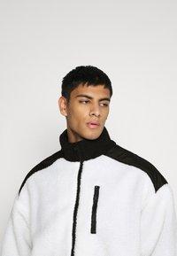 Mennace - HALF ZIP PANELLED - Summer jacket - white - 3